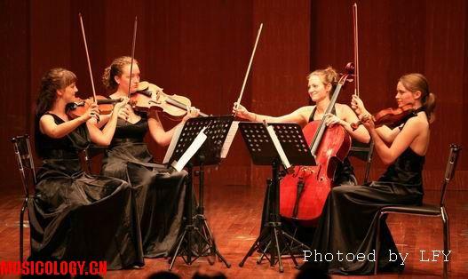 夜莺弦乐四重奏   一提:约瑟芬·达尔斯加德与中提玛丽--路易斯·杰